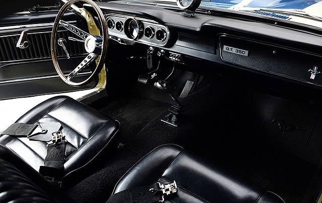Prototipe Shelby GT350 Beratap Vinyl Siap Dilelang