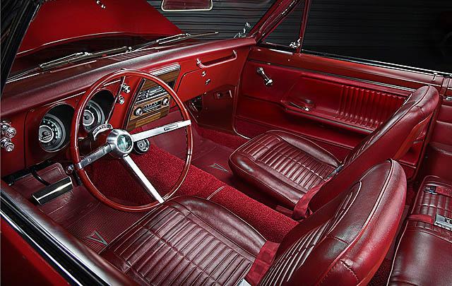 Sepasang Pontiac Firebird 1967 Bersejarah Siap Dilelang