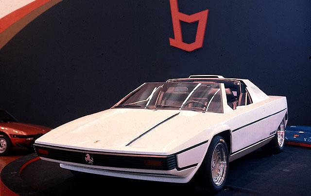 Konsep Retro Unik: Ferrari 308GT Rainbow 1976