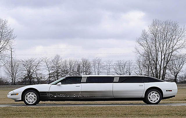 Modifikasi Unik, Corvette Limousine Ini Dilelang