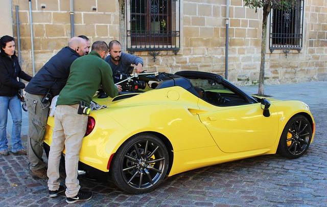 Ini Penampakan Alfa Romeo 4C Spider Versi Produksi