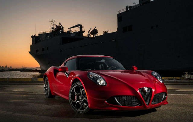 Seks, Iklan, & New Alfa Romeo 4C