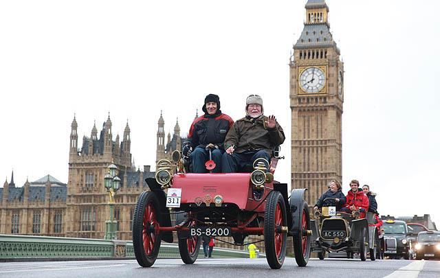 London to Brighton Veteran Car Run 2016 Segera Dihelat