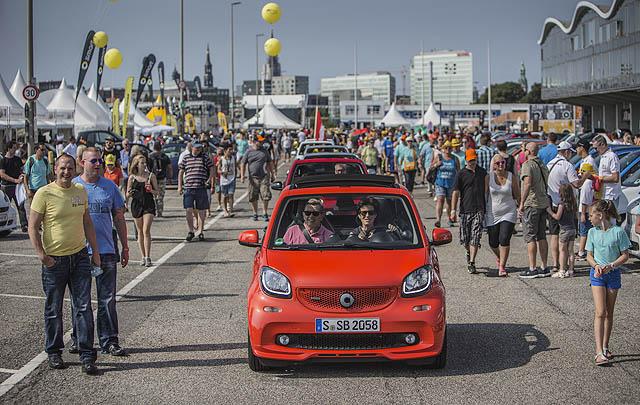 1.635 Mobil Padati Ajang Smart Times 2016 di Hamburg