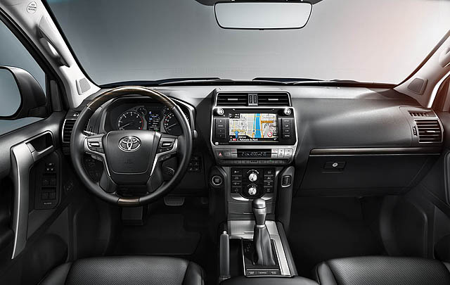 Toyota Land Cruiser Prado Tampilkan Wajah Baru di Frankfurt 2017