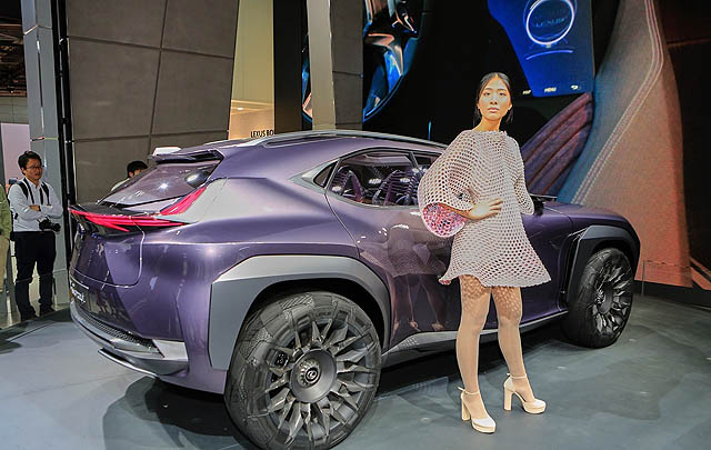 Lexus UX Concept Pukau Pengunjung Paris Motor Show 2016