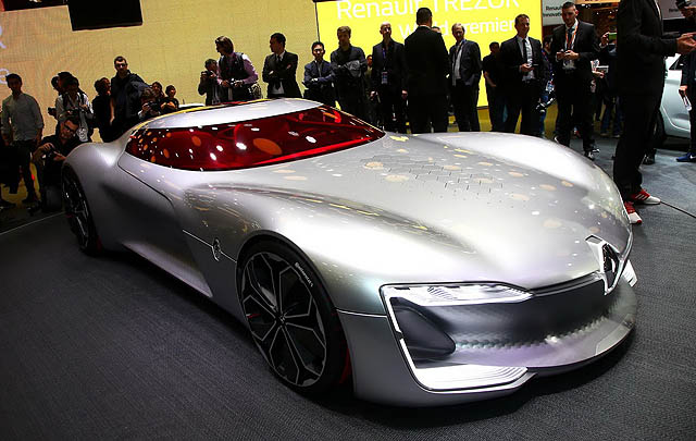 Renault Trezor Concept Raih Gelar 'Most Beautiful Concept Car of the Year'