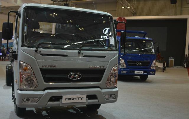 Di GIIAS 2017, Hyundai Umumkan Harga Resmi New H-1 dan New i10