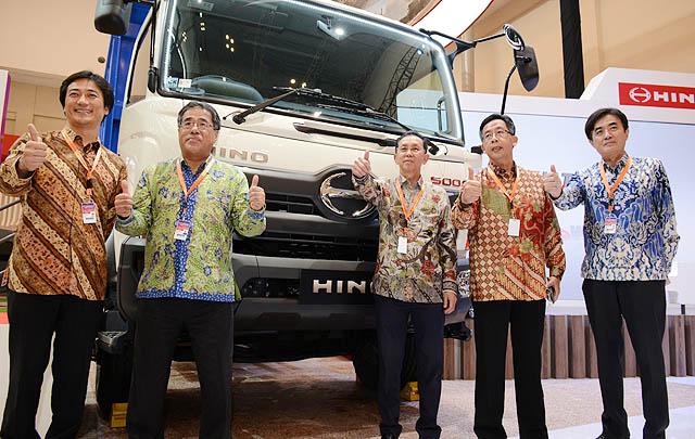 Hino Bukukan Penjualan 23.777 Unit Truk dari Januari-Oktober 2017
