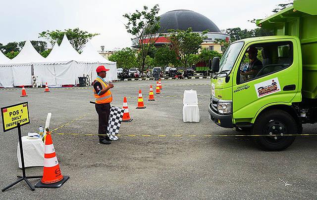Kota Pamungkas, Hino Dutro Safety Driving Digelar di Balikpapan
