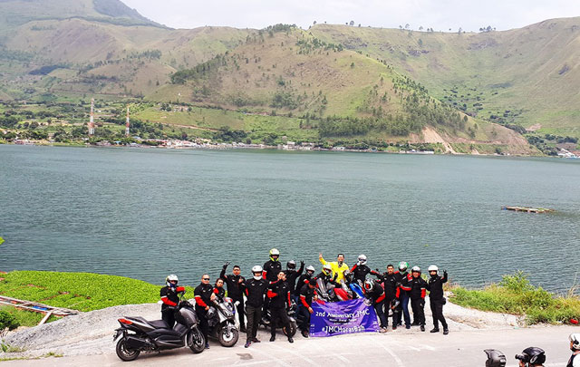 Journalist Max Community Rayakan HUT ke-2 Sambil Nikmati Keindahan Danau Toba