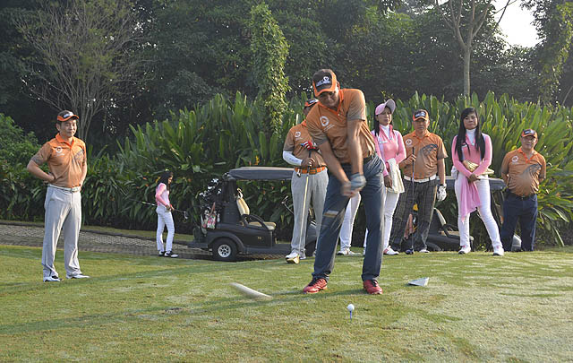 Mercedes-Benz SL Club 3rd Charity Golf Tournament Dibuka