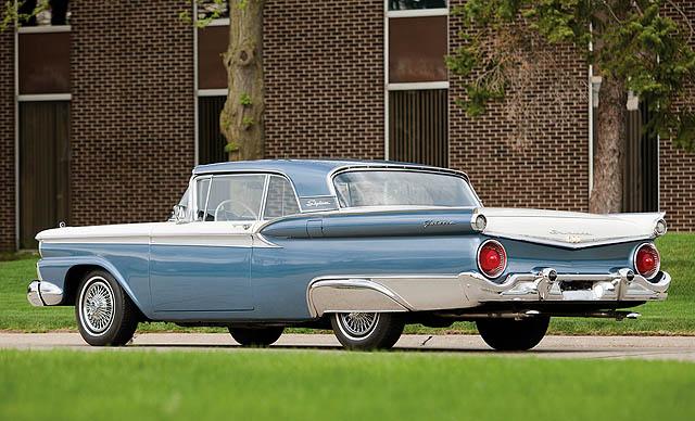 Sejarah 'Tailfin': Masa Keemasan Desain Mobil Era 1950-1960-an
