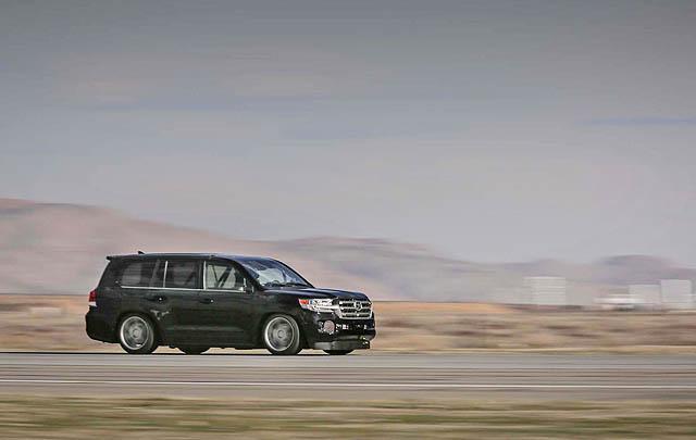 Toyota Land Speed Cruiser Pecahkan Rekor Mobil SUV Tercepat di Dunia