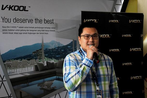 GIIAS 2017, V-KOOL Ajak Pengunjung Rasakan Ketangguhan Produknya Melalui 'V-KOOL Heat Tunnel'