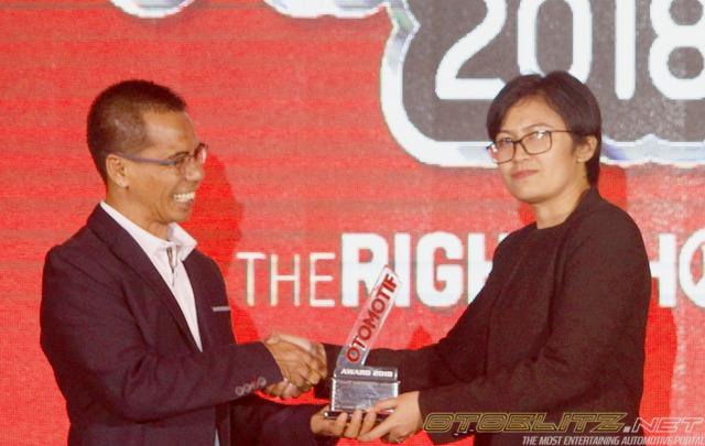 Baru Setahun Diluncurkan, Wuling Confero Raih Rookie of The Year