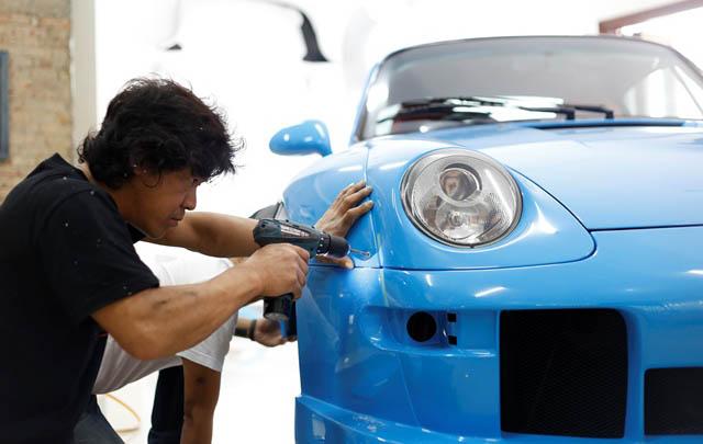 Akira Nakai Kembali Garap Porsche 993 'Terror Garage