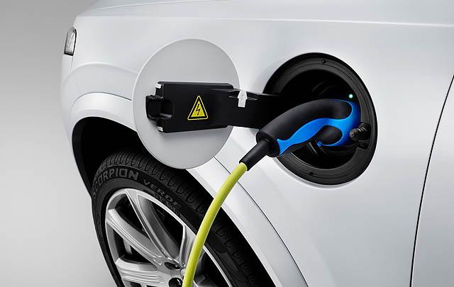 Belanda Siapkan Larangan Kendaraan Bensin & Diesel pada 2030