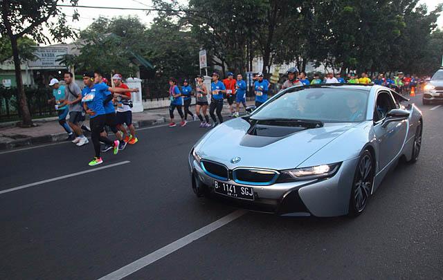 BMW i8 Kawal Bandung West Java Marathon 2017