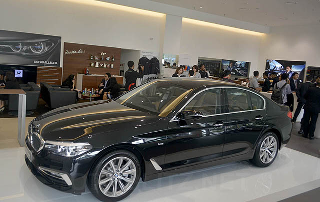 BMW Group Resmikan BMW City Sales Outlet Pertama di Indonesia