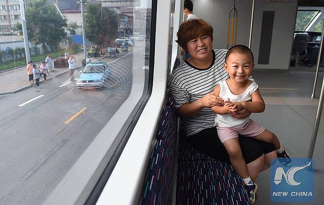 Mulai Ujicoba, Bus Raksasa China Siap Mengaspal?