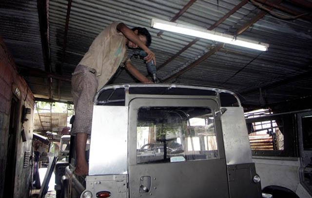 Casablanca Land Rover, Ahlinya Restorasi 'Landy'