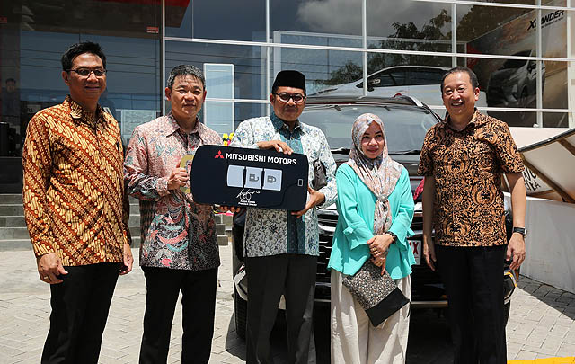 Mitsubishi Resmikan Dealer Kendaraan Penumpang ke-3 di Makassar