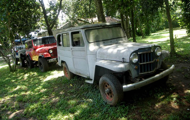 Dog House Custom, Ahlinya Restorasi Jeep