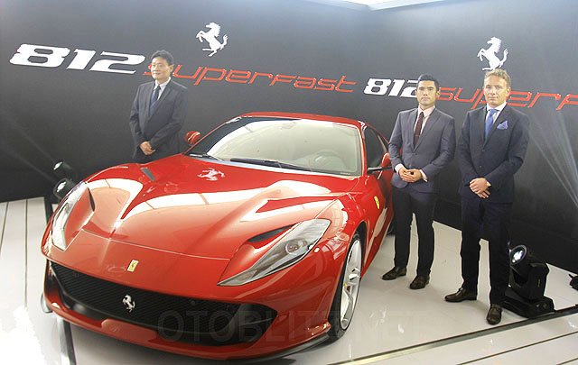 812 Superfast, Sportscar Tercepat Ferrari Resmi Meluncur di Indonesia