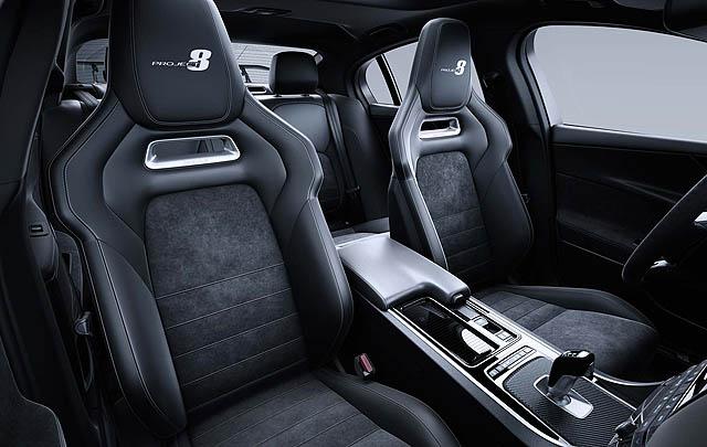Jaguar XE SV Project 8 Siap Tantang Supercar Kelas Wahid