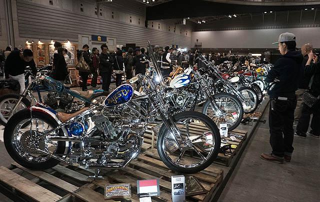 Sementara 'Dirty Majesty' yang berbasis Harley Davidson Sportster karya Queenlekha. Choppers merebut penghargaan dari FKC-Free Kustom Cycles Moooneyes Spanyol.