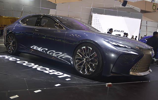 Lexus Hadirkan LF-FC & RC F GT3 Concept di GIIAS 2016