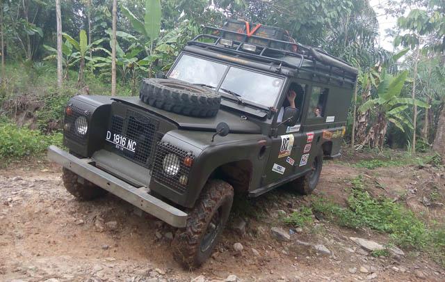 Sambut 2015, Land Rover Club Indonesia Turing ke Lampung