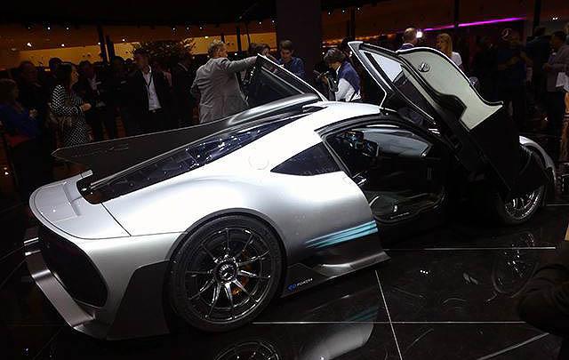 Mercedes AMG Project One Tampil Memukau di Frankfurt 2017
