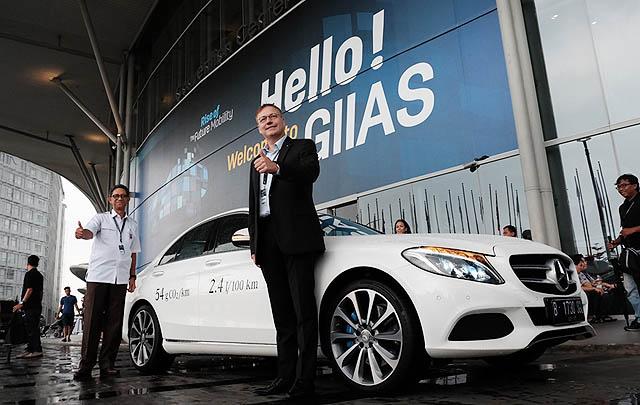 Mercedes-Benz Hadirkan Teknologi Plug-in Hybrid Terbaru pada C 350 e & E 350 e