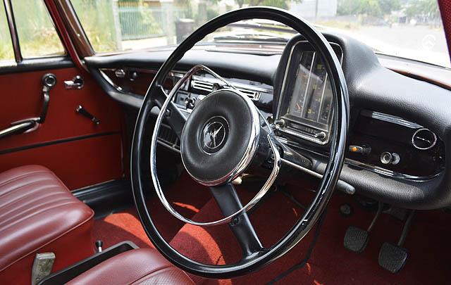 Classic Spirit: Mercedes-Benz W111 'Fintail' Davi Saputra