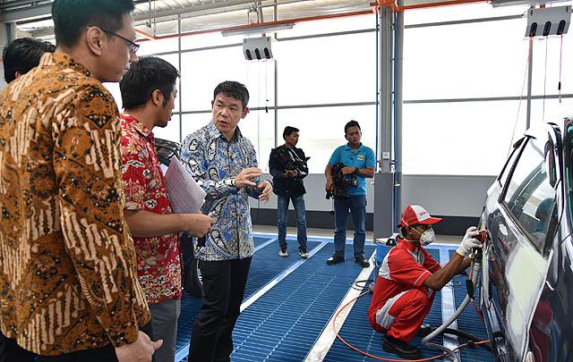 PT MMKSI Resmikan Fasilitas Perbaikan & Pengecatan Berstandar Mitsubishi di Palembang