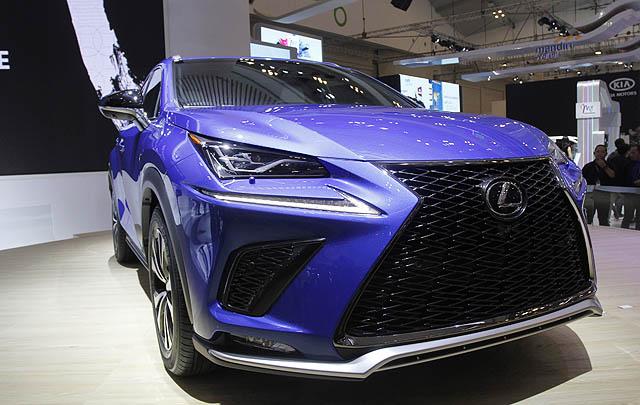 GIIAS 2017, Lexus Resmi Luncurkan New NX300