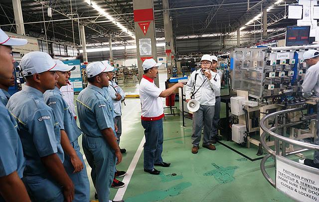 'Nissan for Education', Ajak Siswa Kenali Sistem Produksi Nissan-Datsun