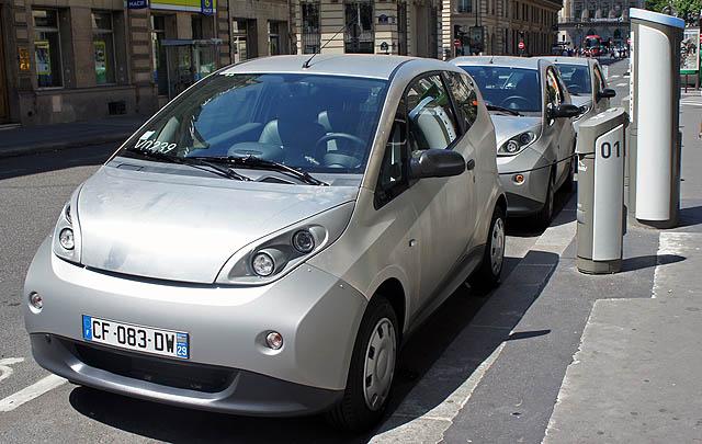 Wah, Prancis Bakal Larang Penjualan Mobil Bensin & Diesel Mulai 2040