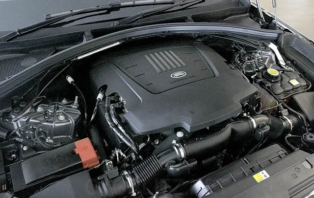 Wahana Auto Resmi Hadirkan Range Rover Velar di Indonesia