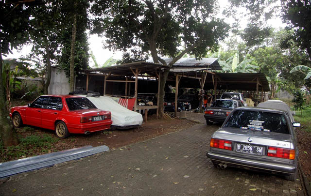 Bengkel 'Rawa Racun', Bikin BMW E30 Tampil Prima