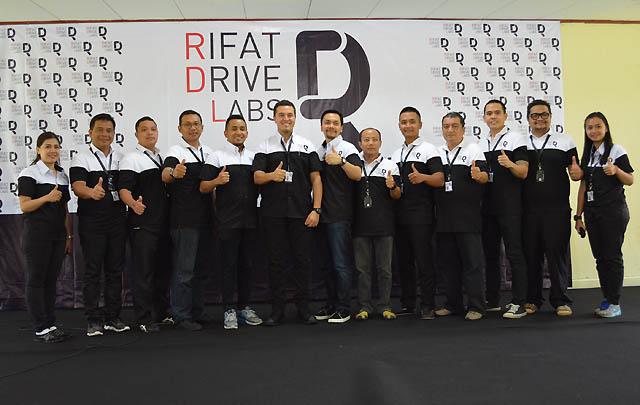 Rifat Drive Labs Beri Pelatihan Pengemudi Bus Atlet PON XIX