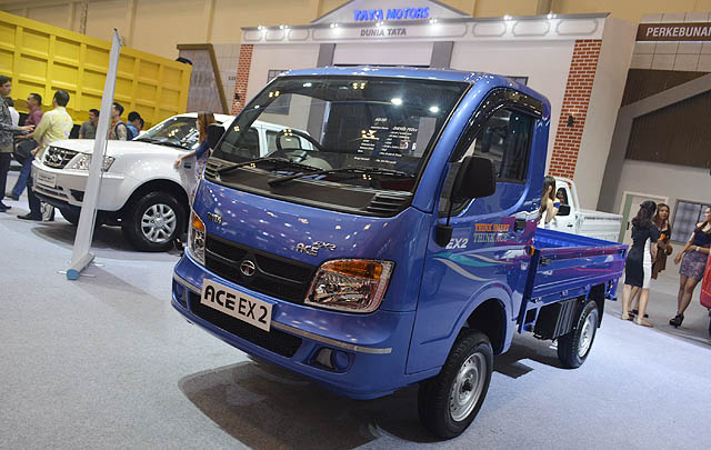 Tata Motors Tawarkan Solusi Lengkap Kendaraan Niaga di GIIAS 2017