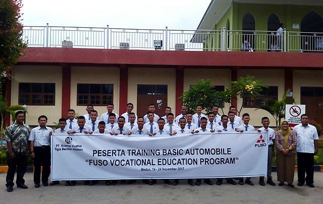 KTB Fuso Gelar Training Otomotif Gratis Bagi Guru & Siswa SMK
