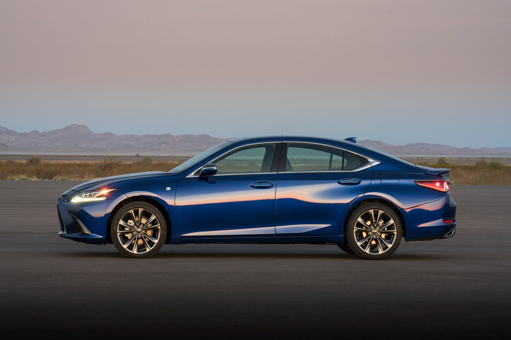 Masuk generasi Ketujuh, ada Lexus ES F Sport