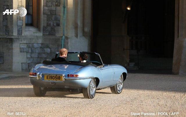 Jaguar E-type Zero Dipakai Prince Harry dan Meghan ke Resepsi Pernikahan