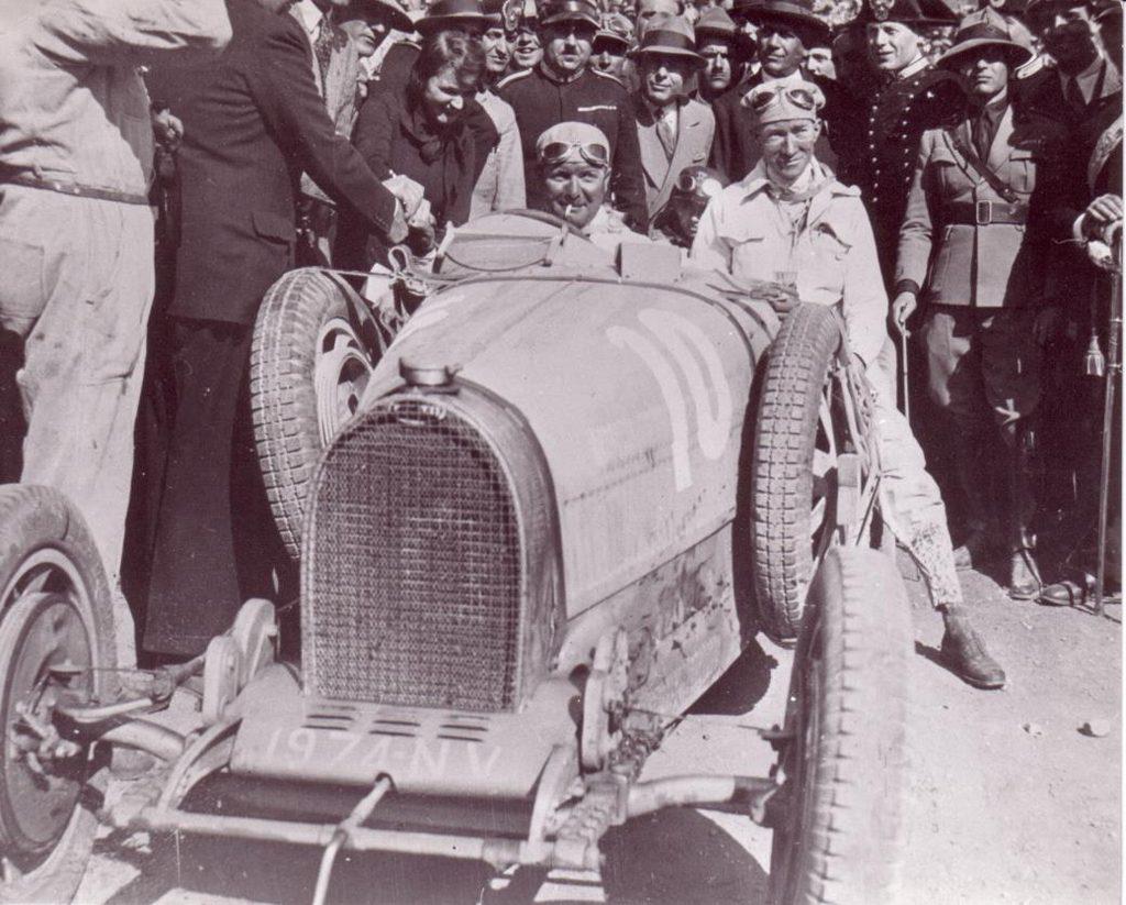 Saatnya Bilyoner Berburu Bugatti Divo
