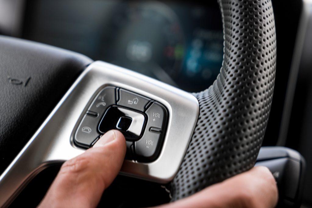 New Mercedes-Benz Actros, Tak Pakai Kaca Spion